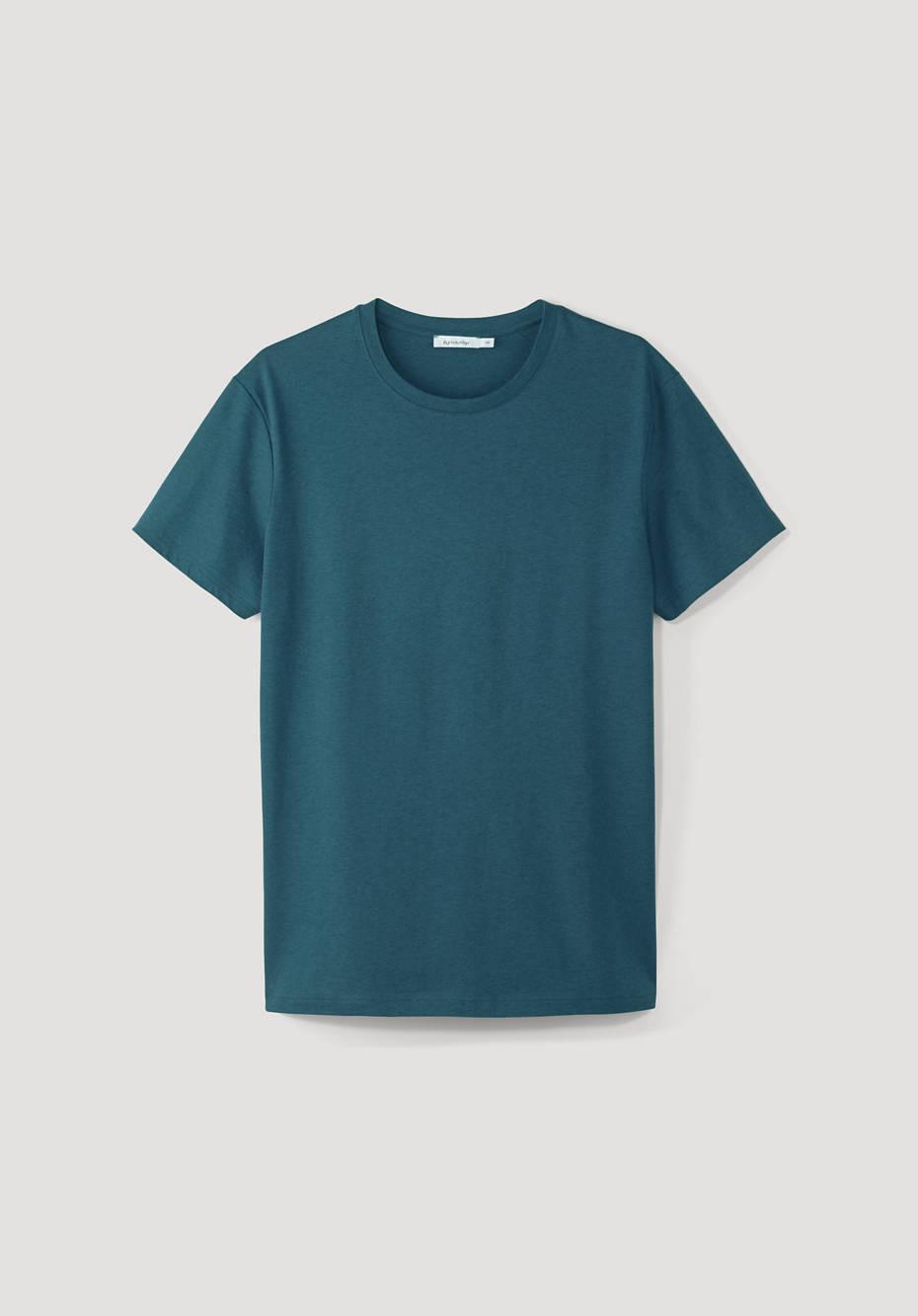 Organic cotton t-shirt with virgin wool
