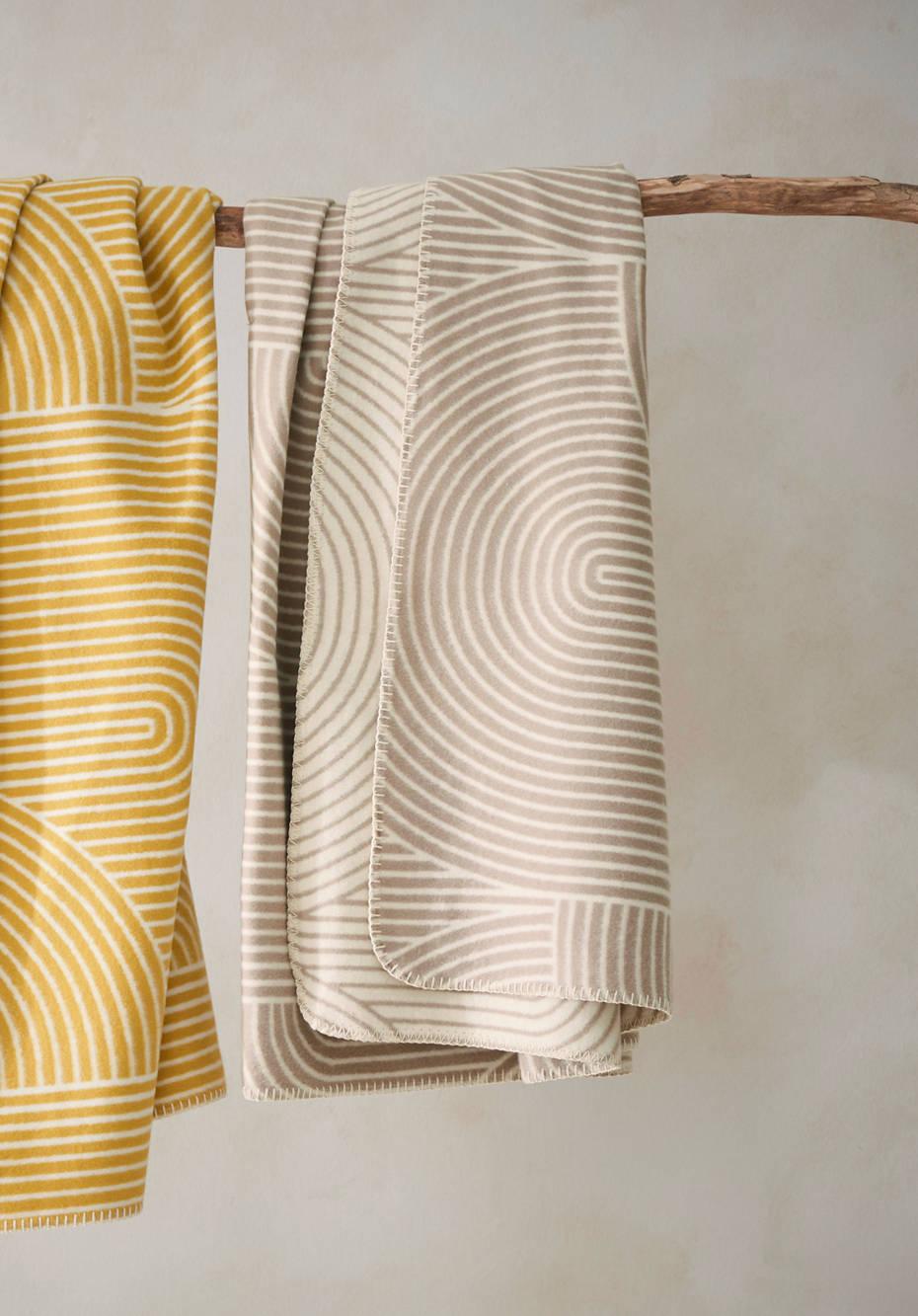 Plaid Samu bed recycling made of pure organic cotton