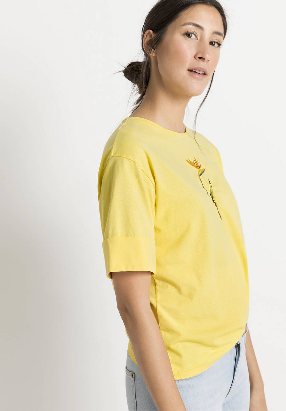 Plant-dyed shirt made of pure organic cotton