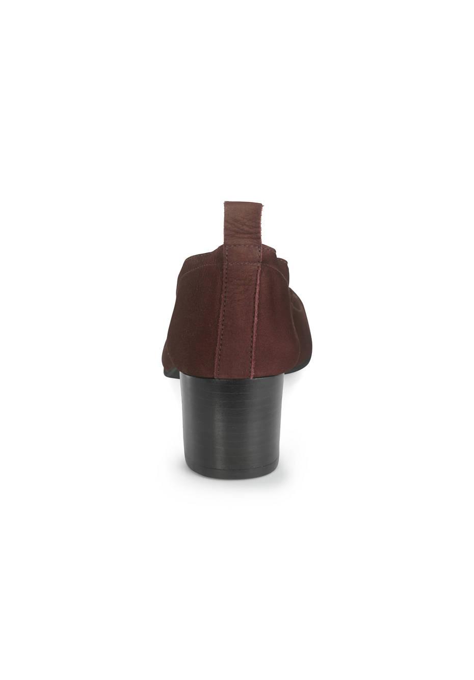 Pumps aus chromfrei gegerbtem Leder