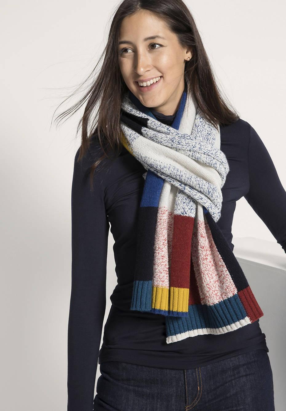 Schal aus reiner Schurwolle