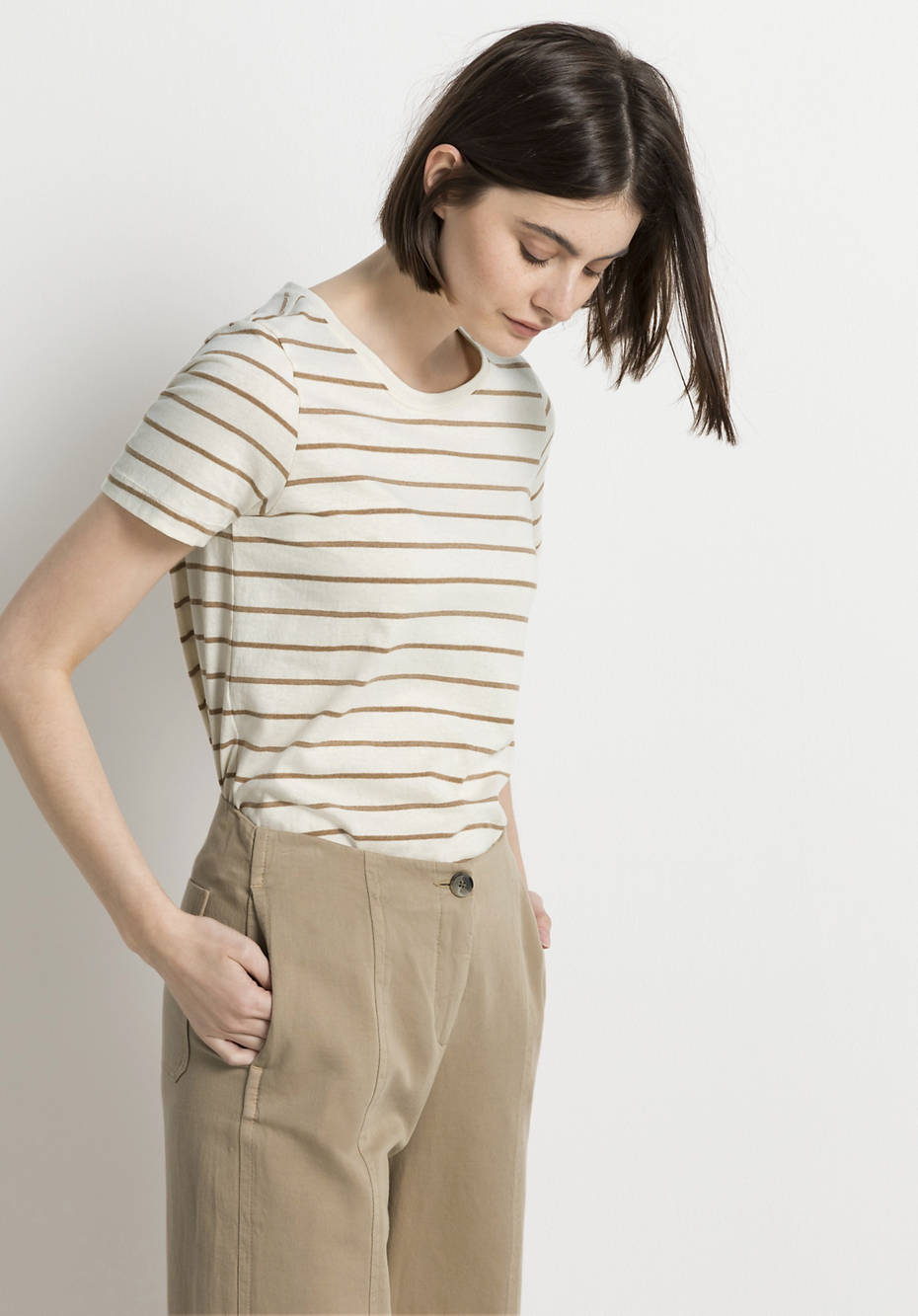 Shirt made of colored organic cotton