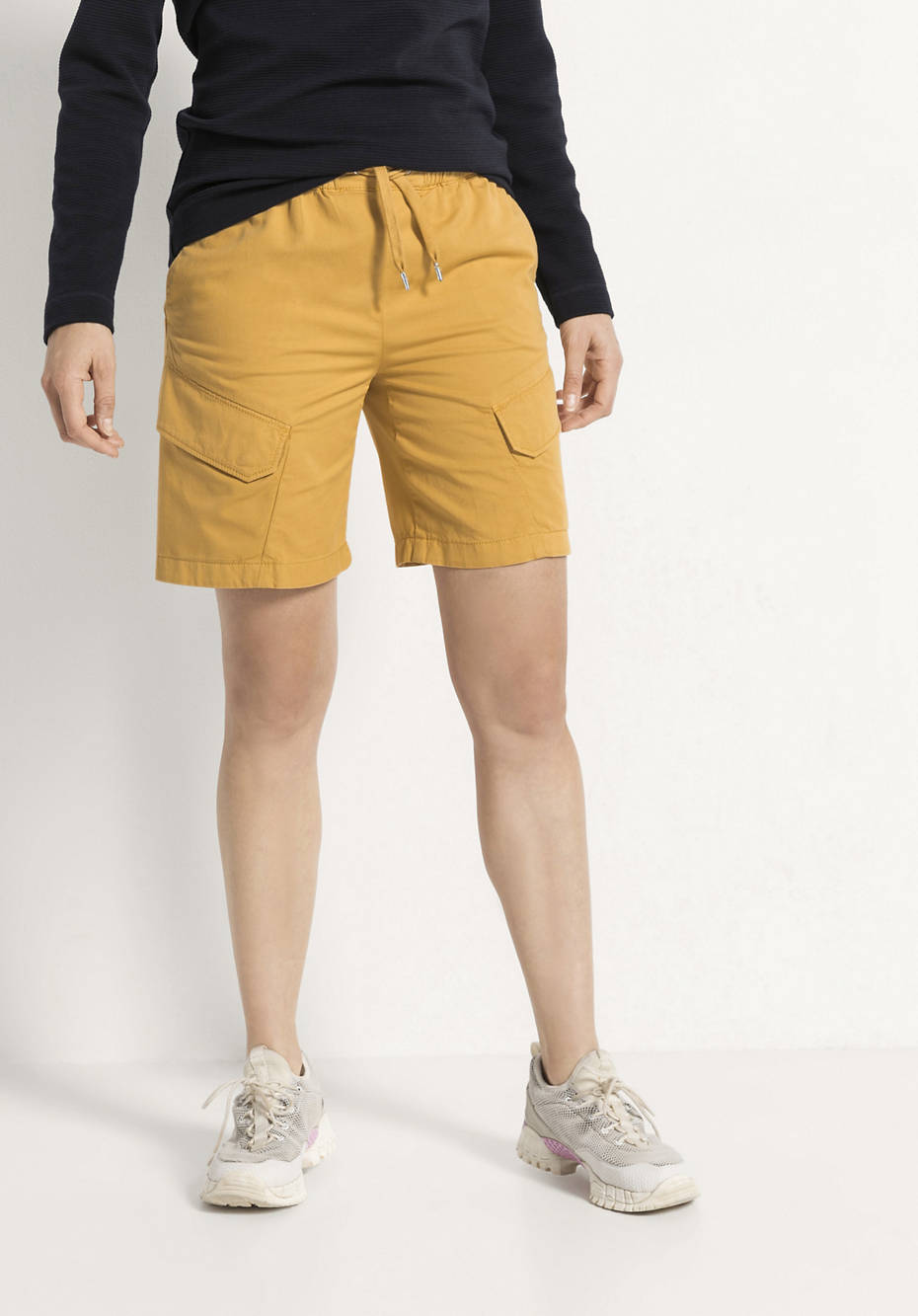 Shorts aus Bio-Baumwolle mit Leinen und Elastan