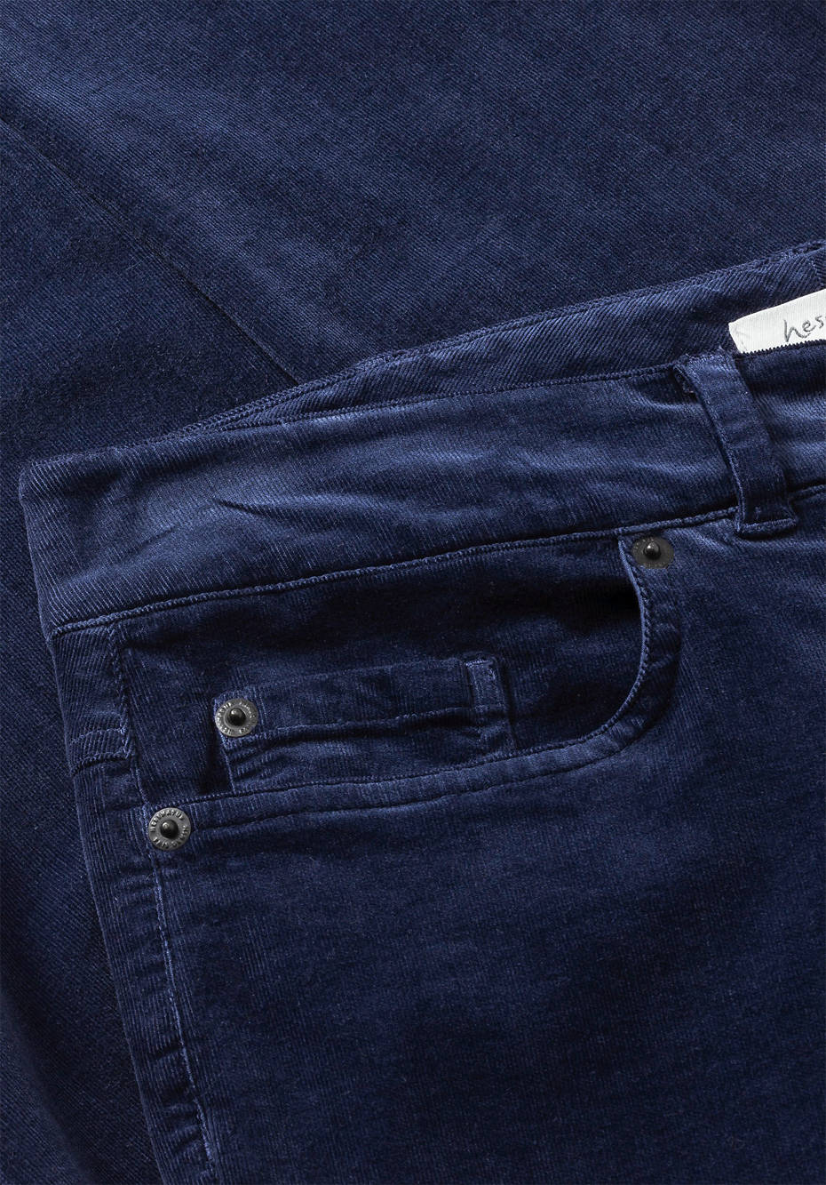 Slim fit corduroy trousers made of organic cotton with hemp