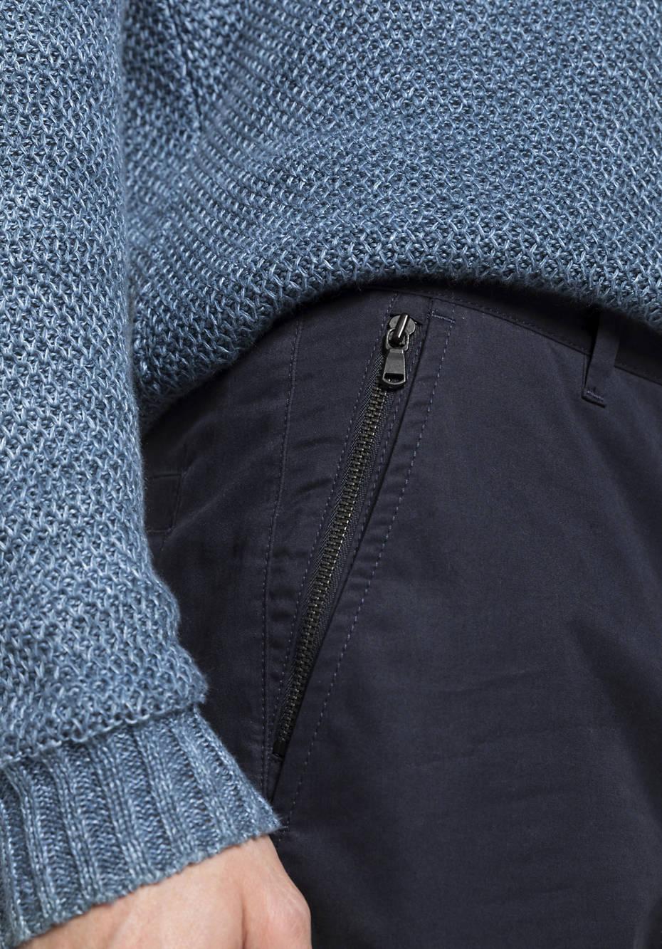 Smart Cargo pants made of pure organic cotton