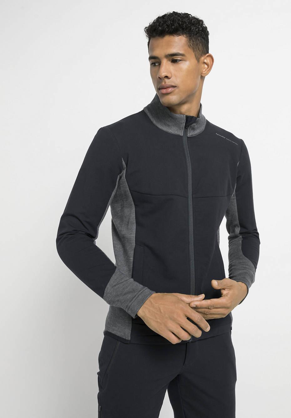 Softshell hybrid jacket made of organic cotton with organic merino wool