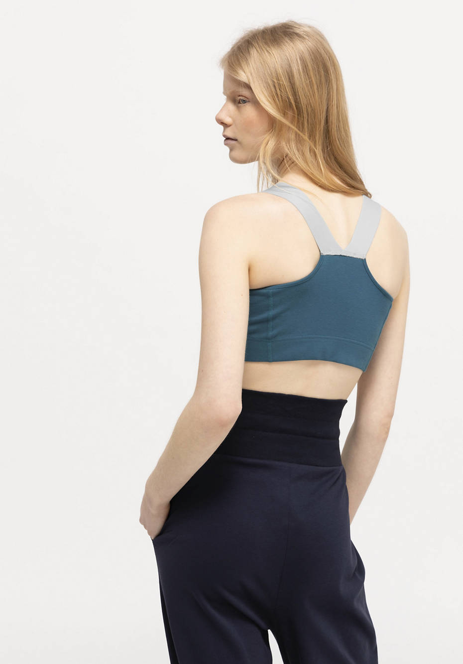 Sports top made of organic cotton