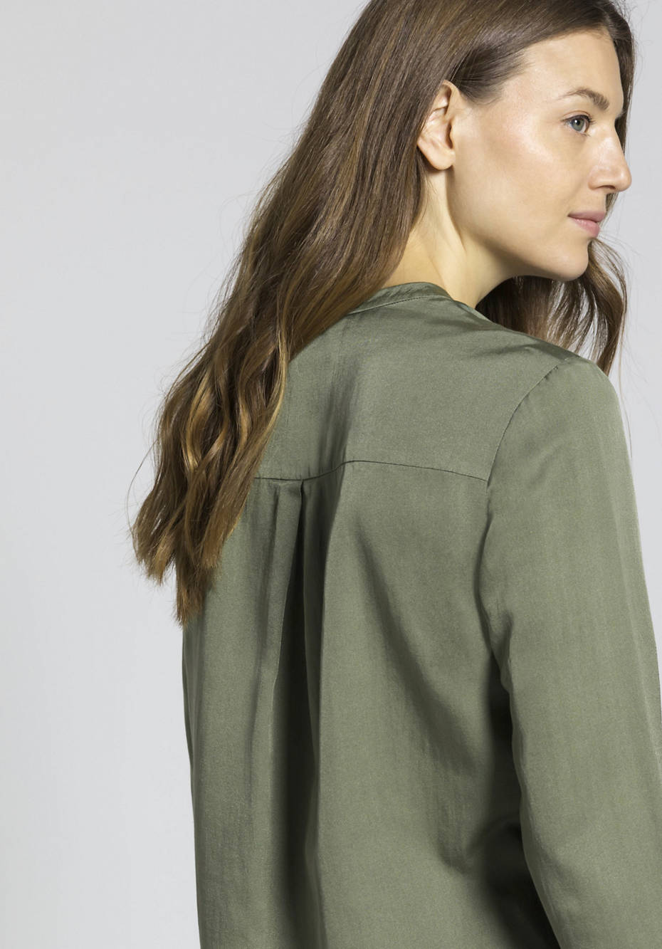 Stand-up collar blouse made of organic cotton with silk