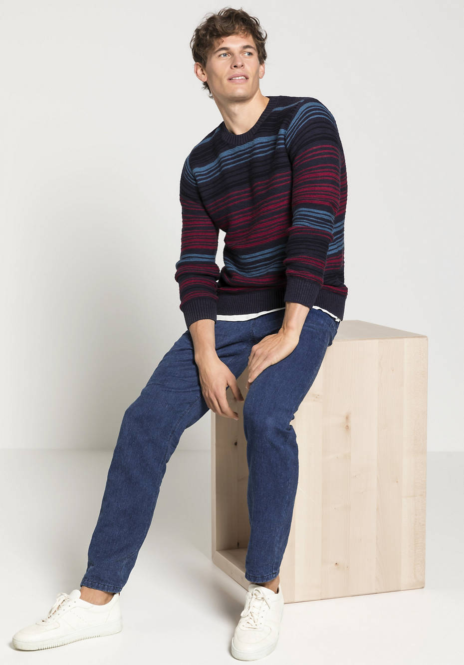 Stripe sweater made of organic cotton with a blend of virgin wool and linen