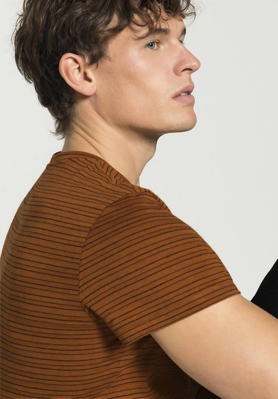 T-Shirt aus Bio-Baumwolle mit Yak und Hanf