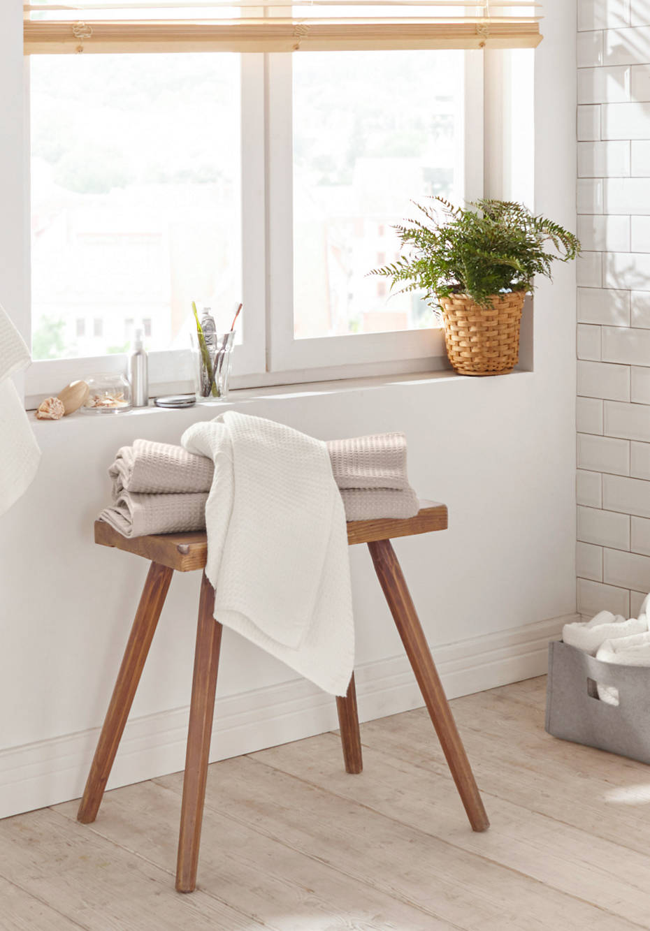 Waffle piqué towel made from pure organic cotton