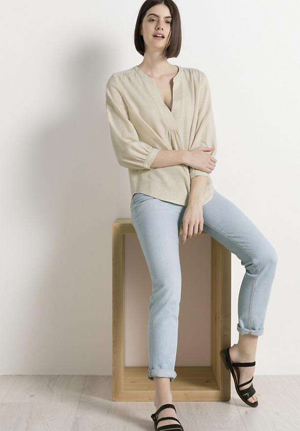 Blouse made of organic cotton with linen