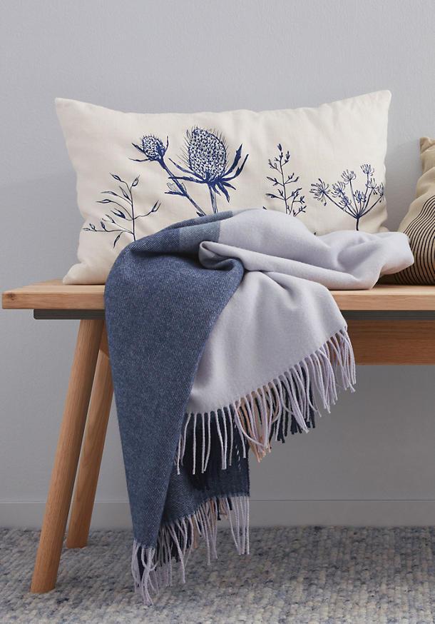 Dalai blanket made of pure merino wool