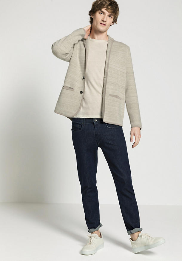 Knitted jacket made of merino wool with a linen-silk mix