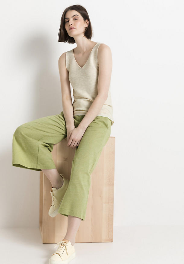 Knitted top made of pure organic cotton