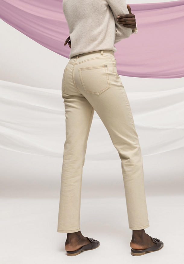 Limited by Nature Jeans Hanna Mom Fit made from organic denim
