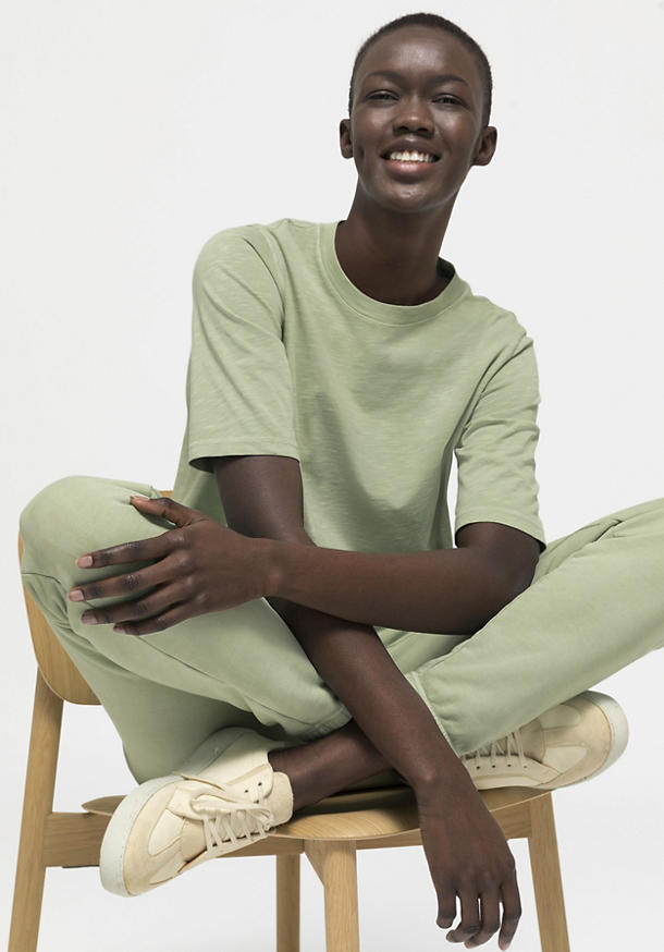 Mineral-dyed shirt made of pure organic cotton