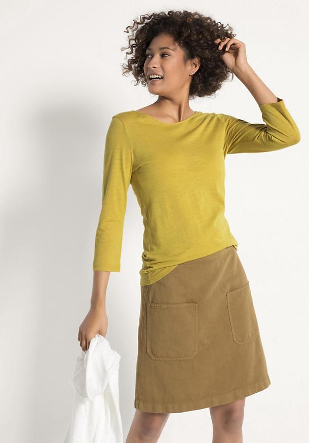 Pflanzengefärbtes Shirt aus reiner Merinowolle