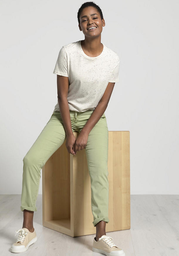 """""""Mineral Dye"""" chinos made from organic cotton"""