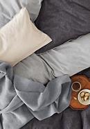 Decke Mano handgestrickt aus reiner Merinowolle