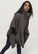 Limited by Nature knitted poncho made of alpaca with pima cotton
