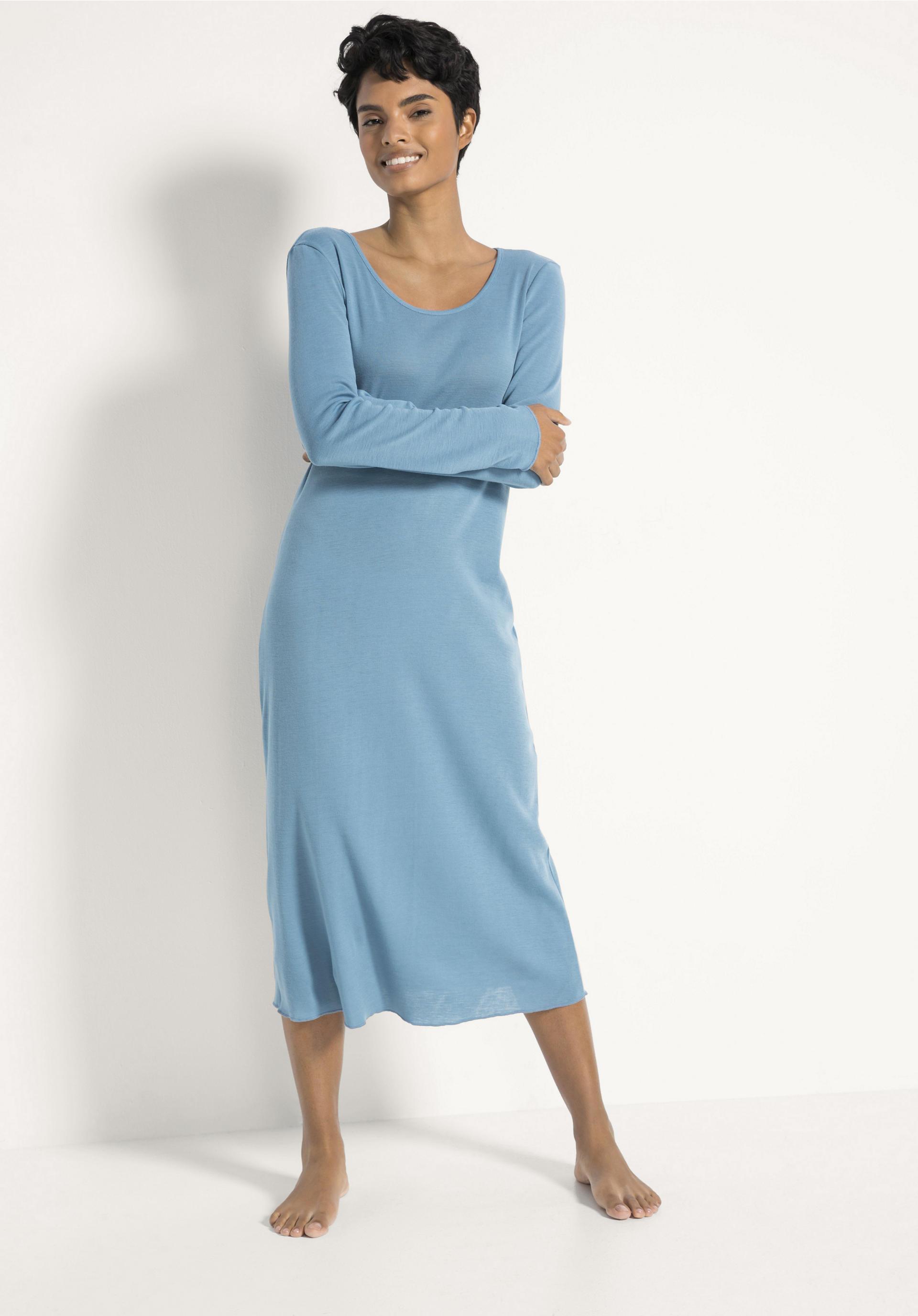 size 40 535ff 1b98f Damen Nachthemd PureWOMAN aus Bio-Merinowolle und Seide von hessnatur