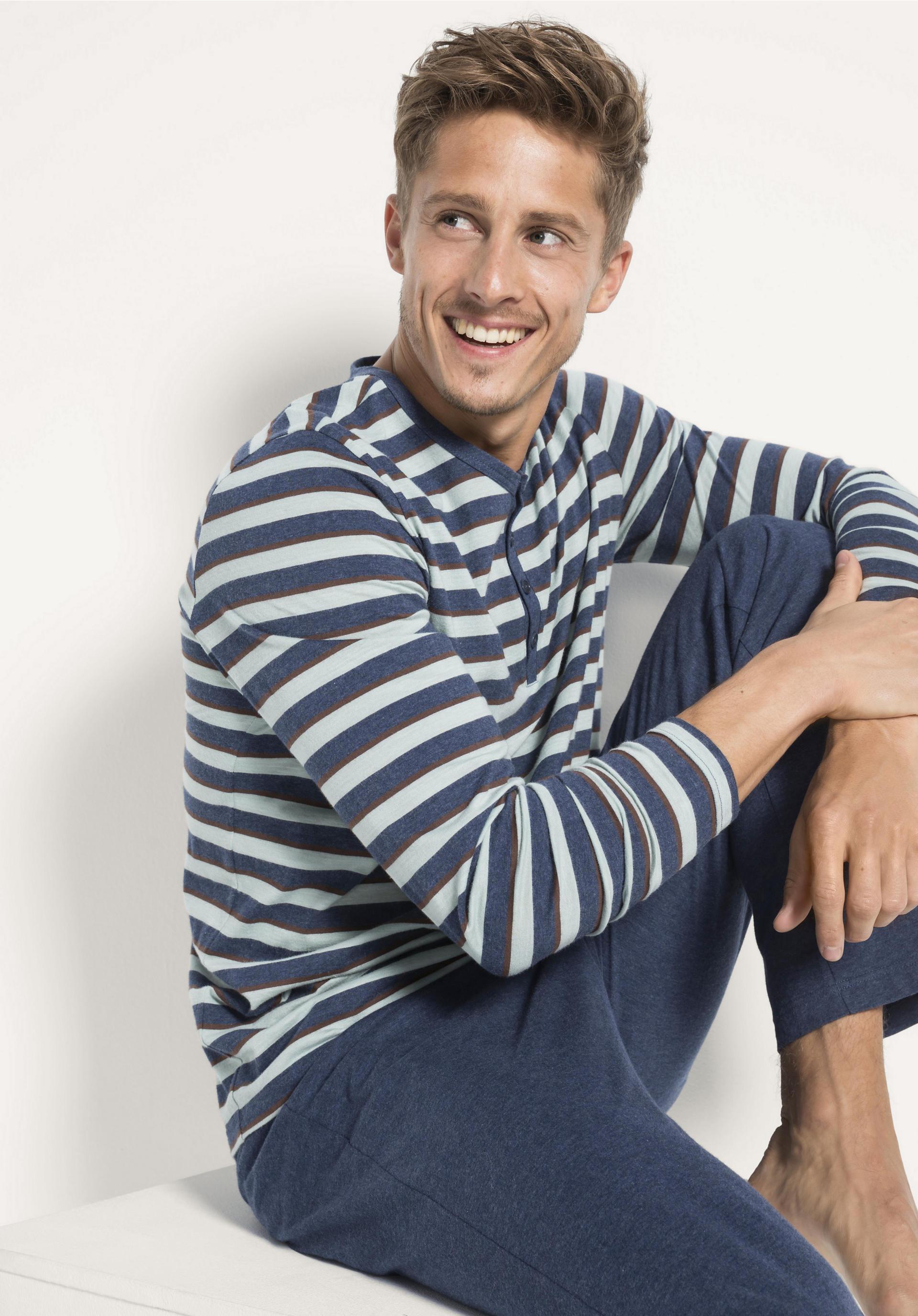 low priced d14ef ce679 Herren Langer Pyjama aus reiner Bio-Baumwolle von hessnatur