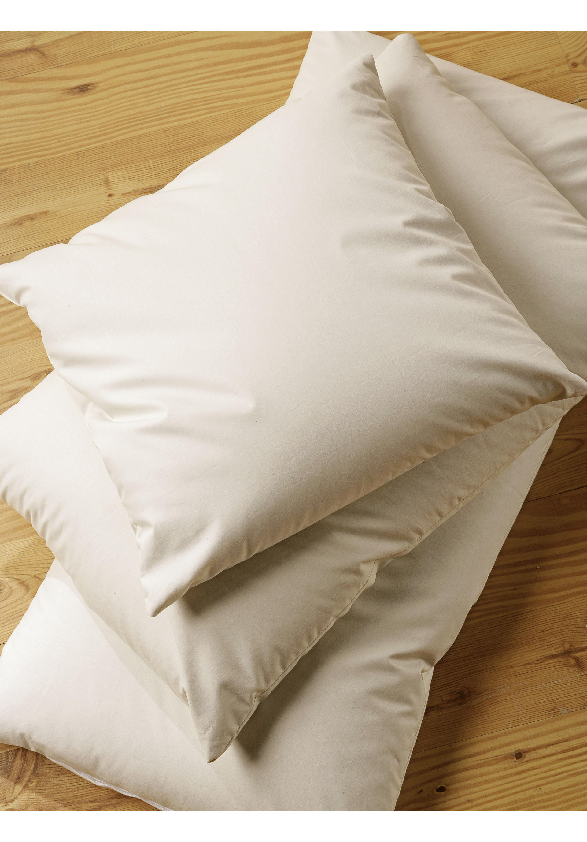 welche kissen sind gut f r den nacken schlafzimmer segm ller taubenblau wie w scht man daunen. Black Bedroom Furniture Sets. Home Design Ideas