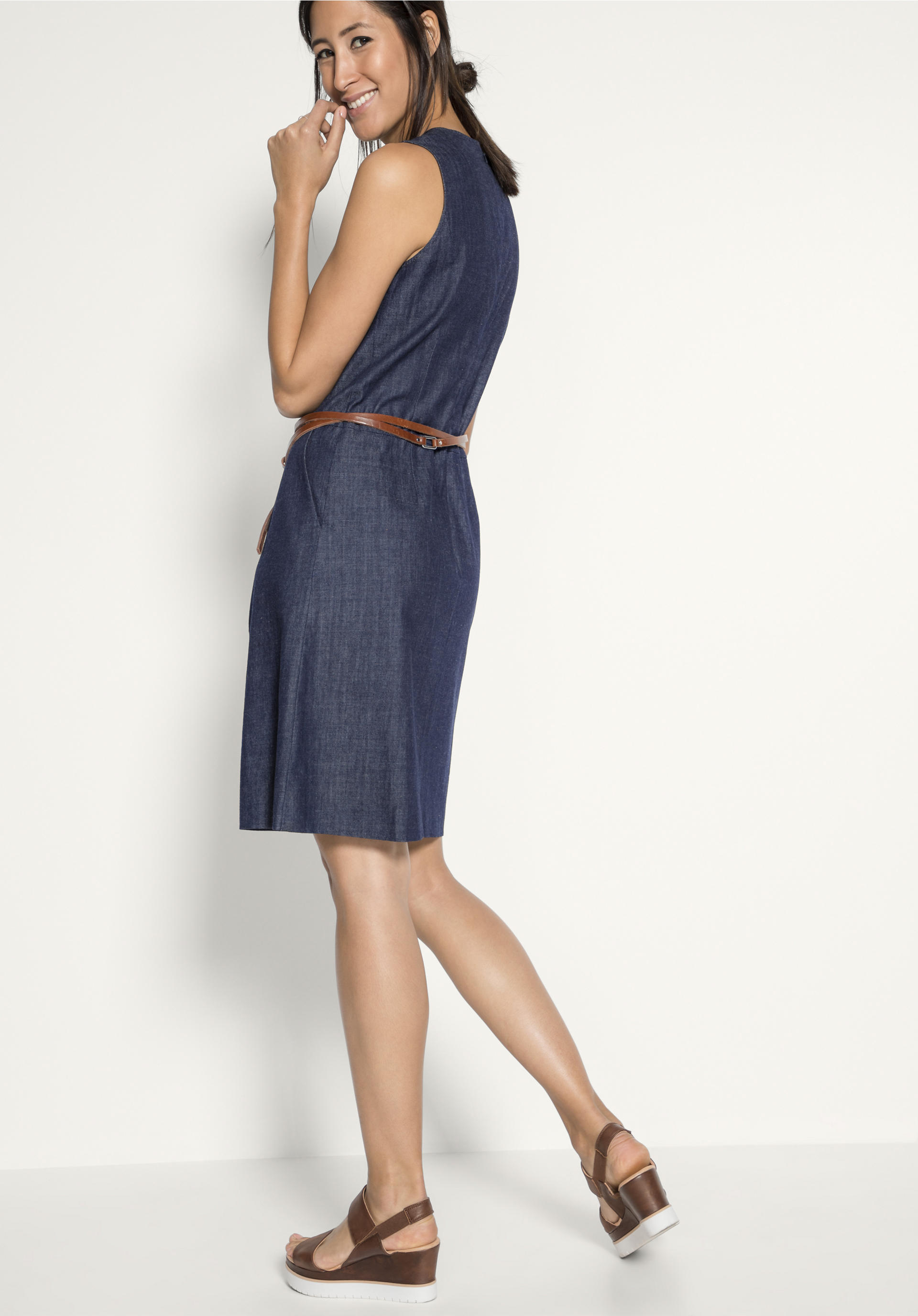 2104ca81b70acd Jeanskleid aus reiner Bio-Baumwolle - hessnatur Deutschland