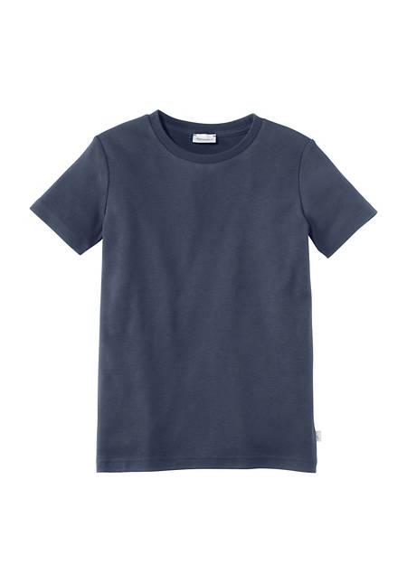 Basic t-shirt made from pure organic cotton
