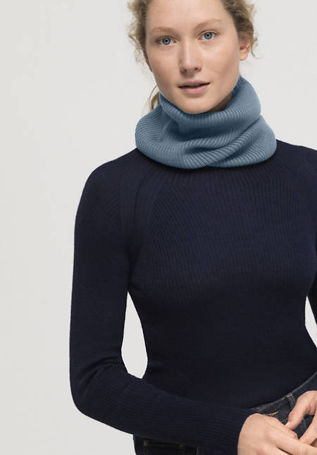 Bed-recycling loop scarf made of pure merino wool
