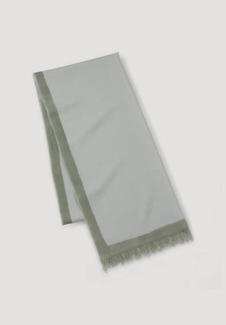 Hand-painted scarf made of pure merino wool