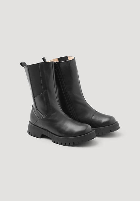 High Chelsea boots