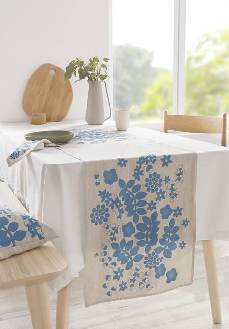 Leila table runner made of pure linen