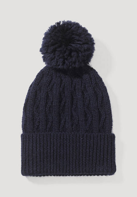 Limited by Nature hat made of pure Mongolian merino wool