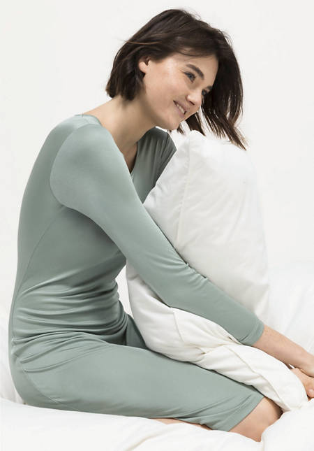 Long-sleeved nightgown made from pure organic silk