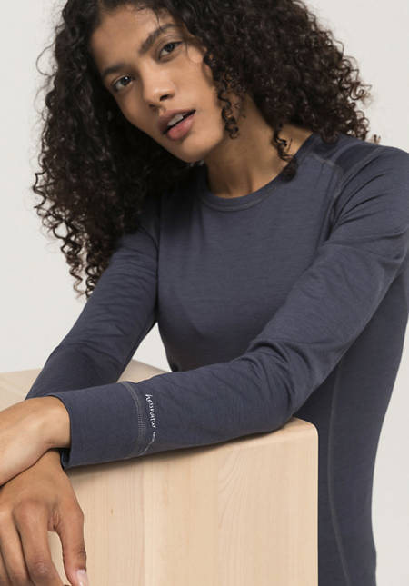 Long-sleeved shirt made of merino wool