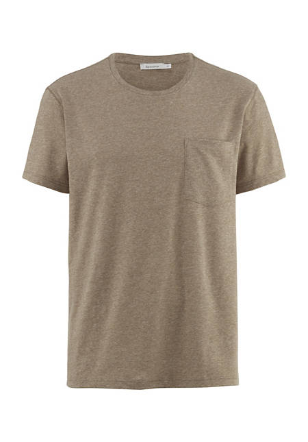 Loose t-shirt made from organic cotton with linen