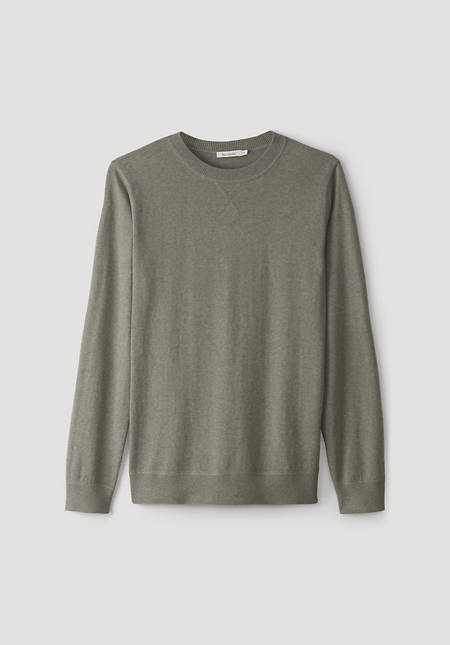Mineral-dyed sweater made of organic cotton with cashmere