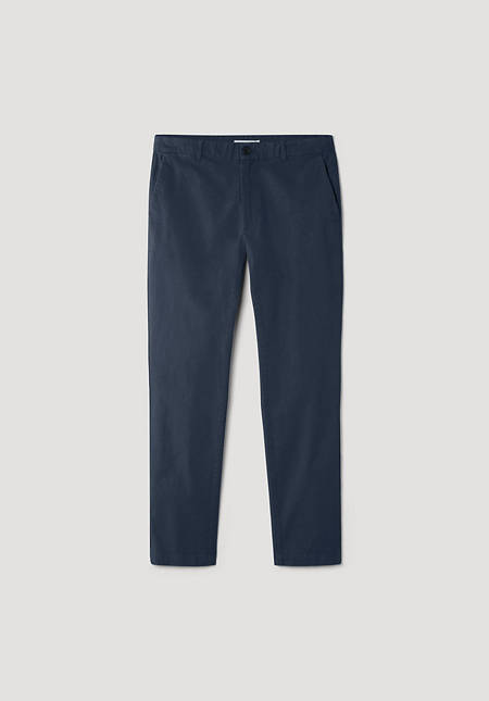 Modern fit chinos made of organic cotton with hemp