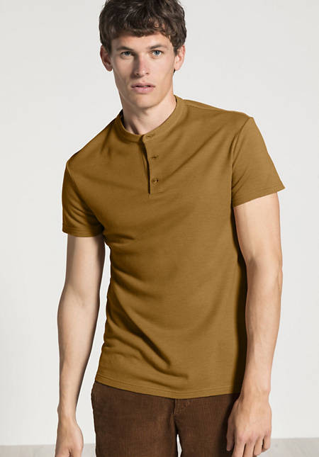 Polo with stand-up collar made of pure organic merino wool