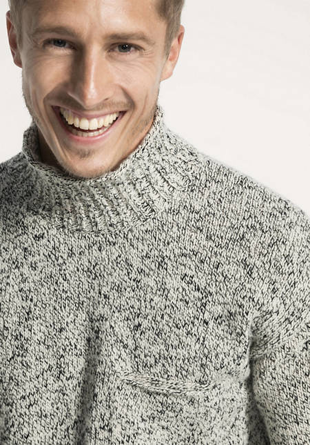 Pullover aus Schurwolle und Baumwolle