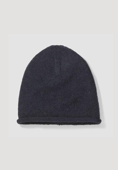 Pure alpaca hat