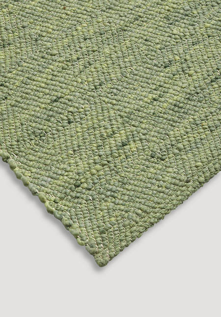 Ruga rug made from pure new wool