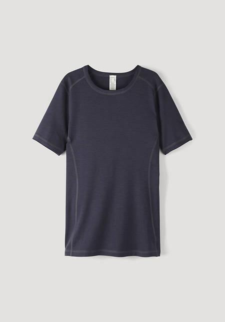Short-sleeved shirt made of merino wool
