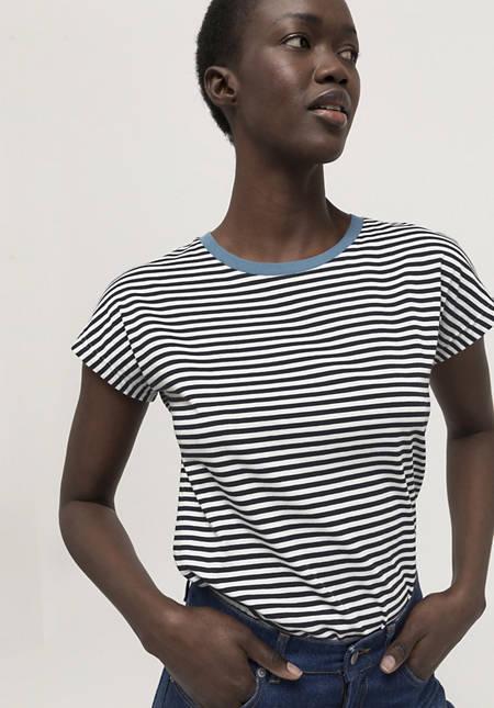 Short-sleeved shirt made of pure organic cotton