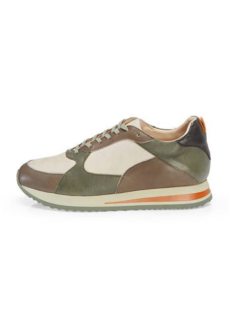 Sneaker aus chromfrei gegerbtem Leder