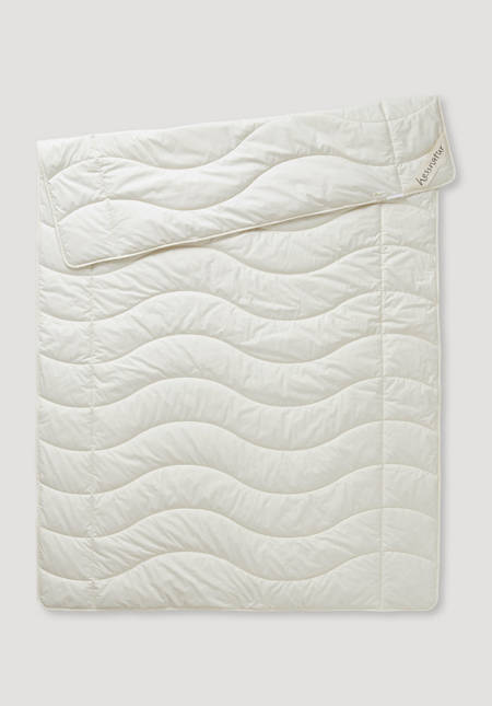 Summer blanket made of organic cotton with nettle