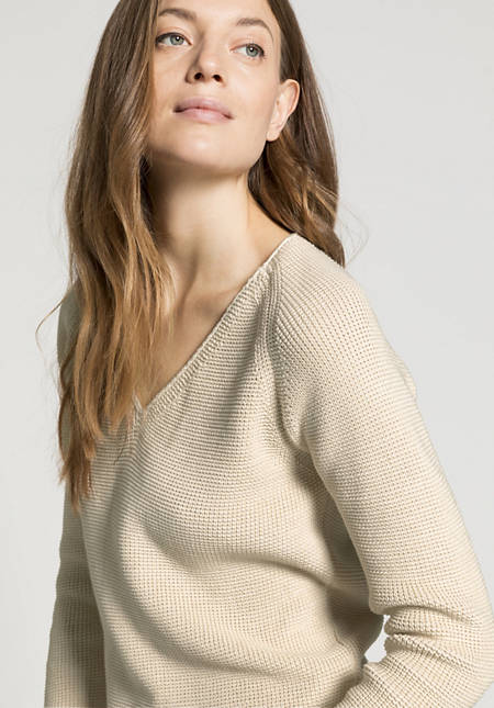 V-neck sweater made from pure organic cotton