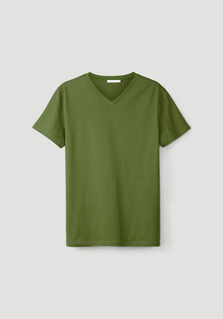 V-shirt made from pure organic cotton